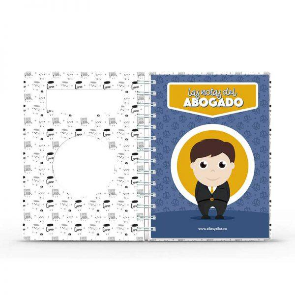 Cuaderno pequeño con diseño de abogado