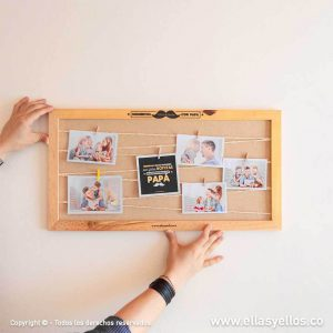 Portarretratos en madera grande con ganchos